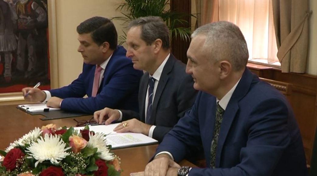 Grupimi i qendrës së djathtë i kërkon presidentit tryezë dialogu gjithpërfshirëse
