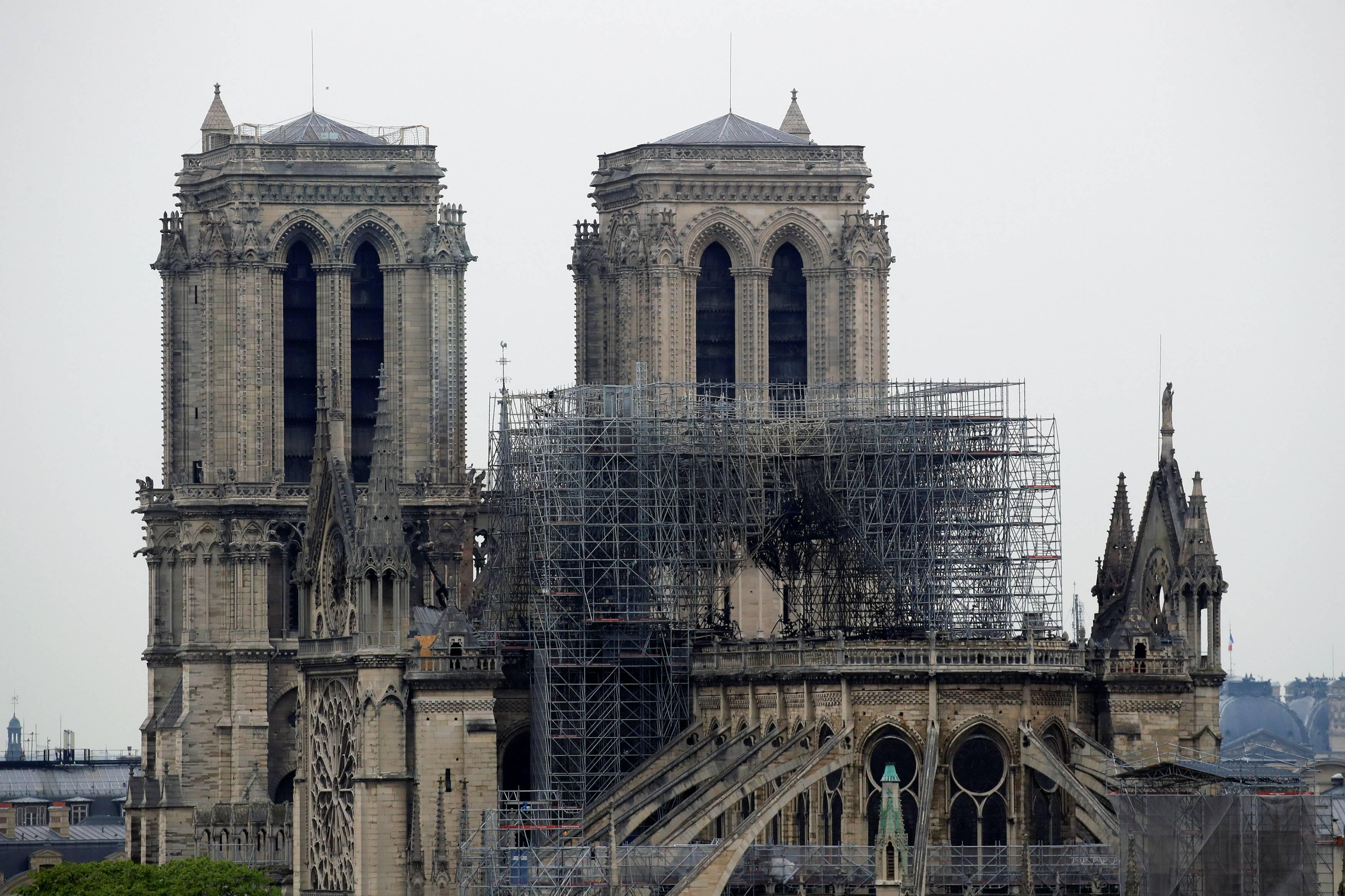 Franca shpall konkurs për rindërtimin e Notre Dame