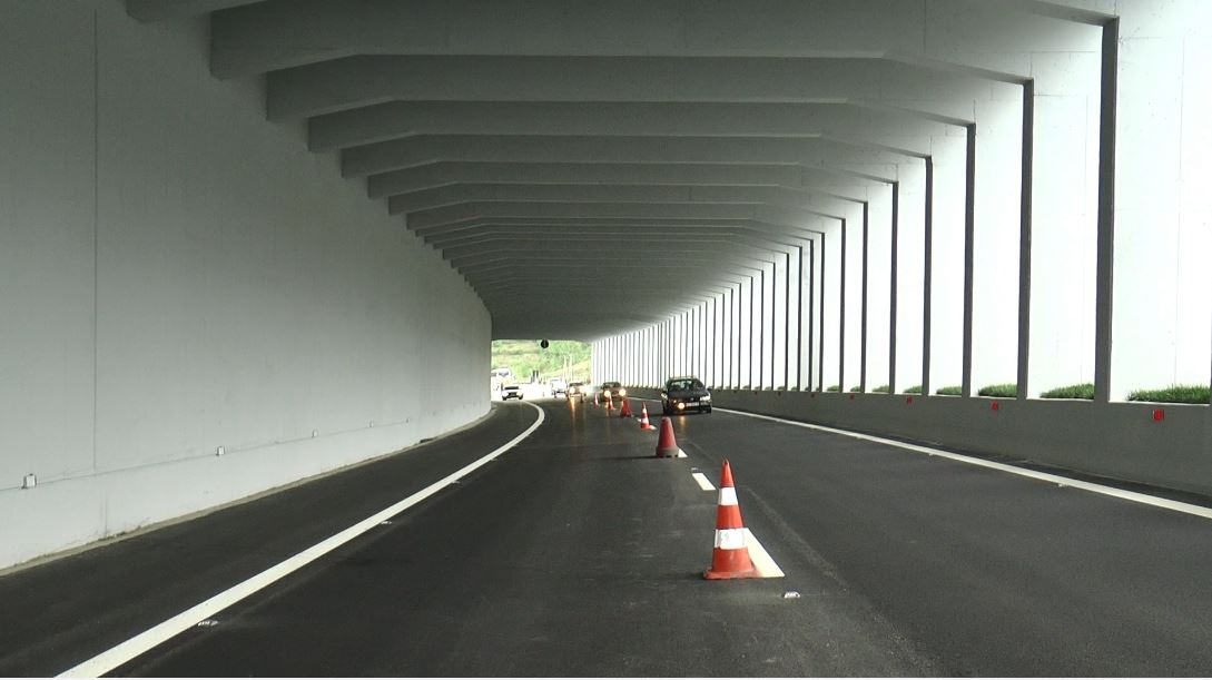 Tiranë-Elbasan, përfundon ndërtimi i tunelit panoramik