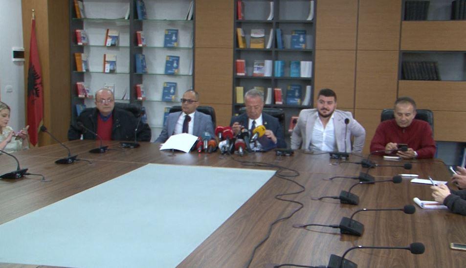 Pezullimi i Rektorit Mynyr Koni, dekanët: E vonuar