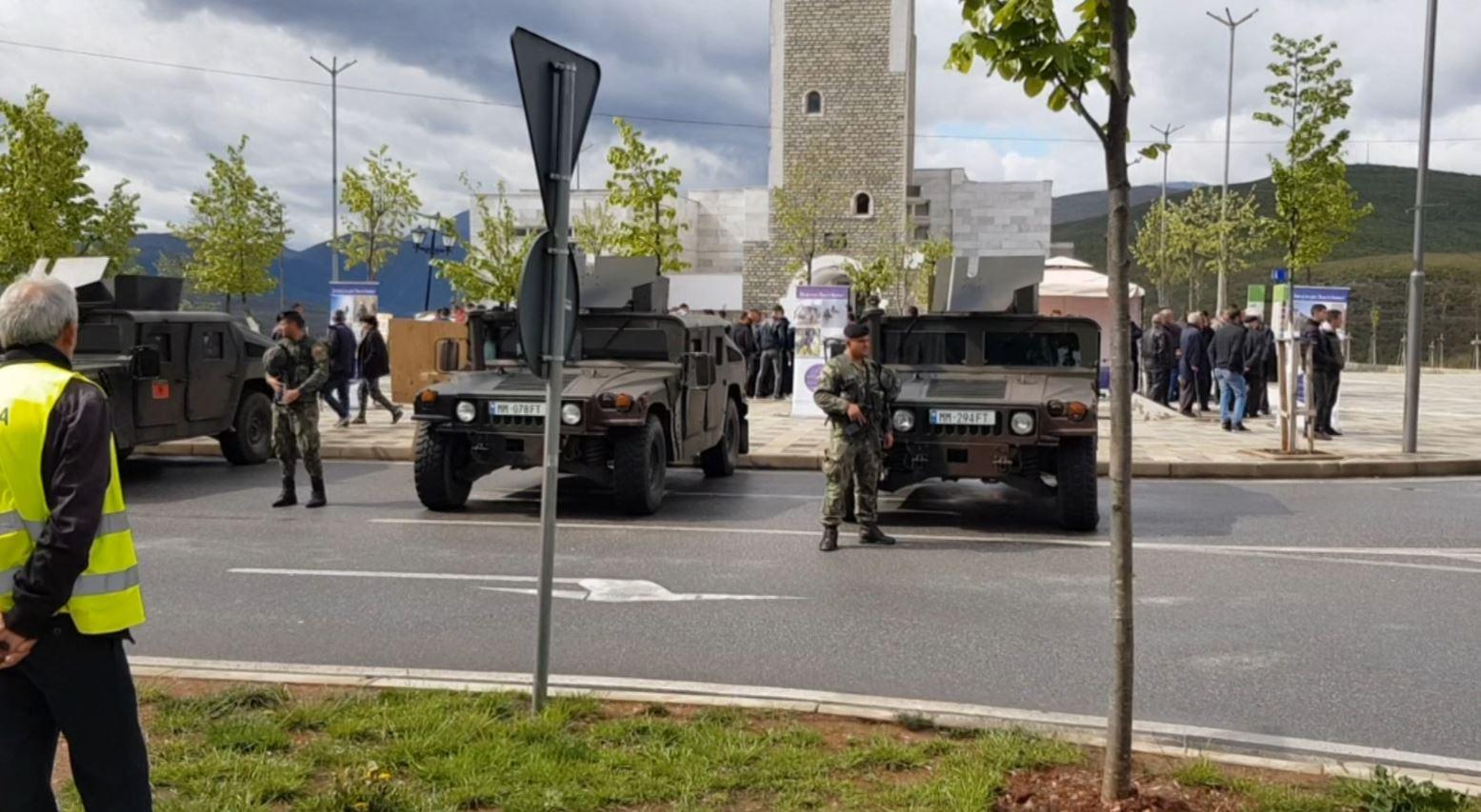 Ushtria zbarkon në Kukës