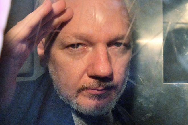 OKB: Assange ka shenja të torturave psikologjike