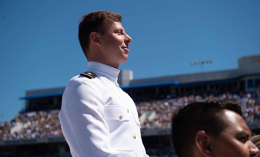 Ky është oficeri shqiptar, u diplomua në Akademia e Marinës së SHBA
