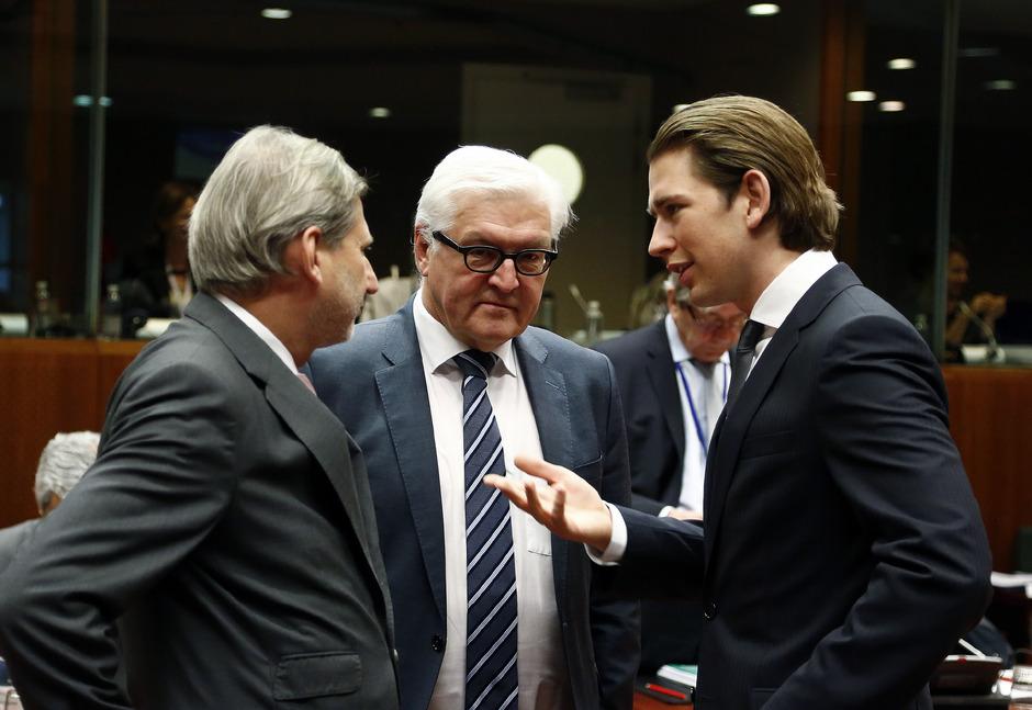 Hahn dhe Kurz urojnë Presidentin e ri të Maqedonisë