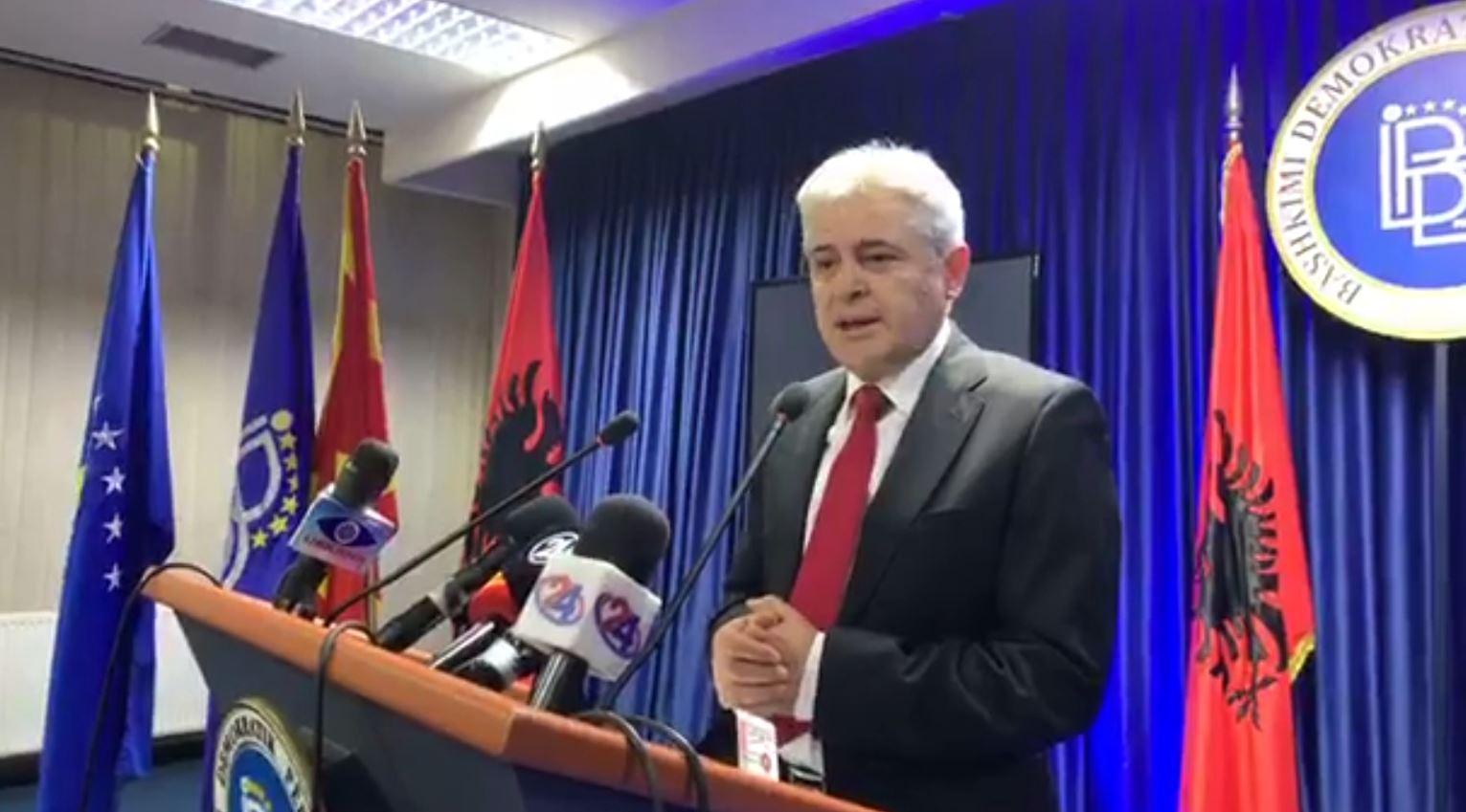 Ahmeti falënderon votuesit që mbështetën Pendarovskin