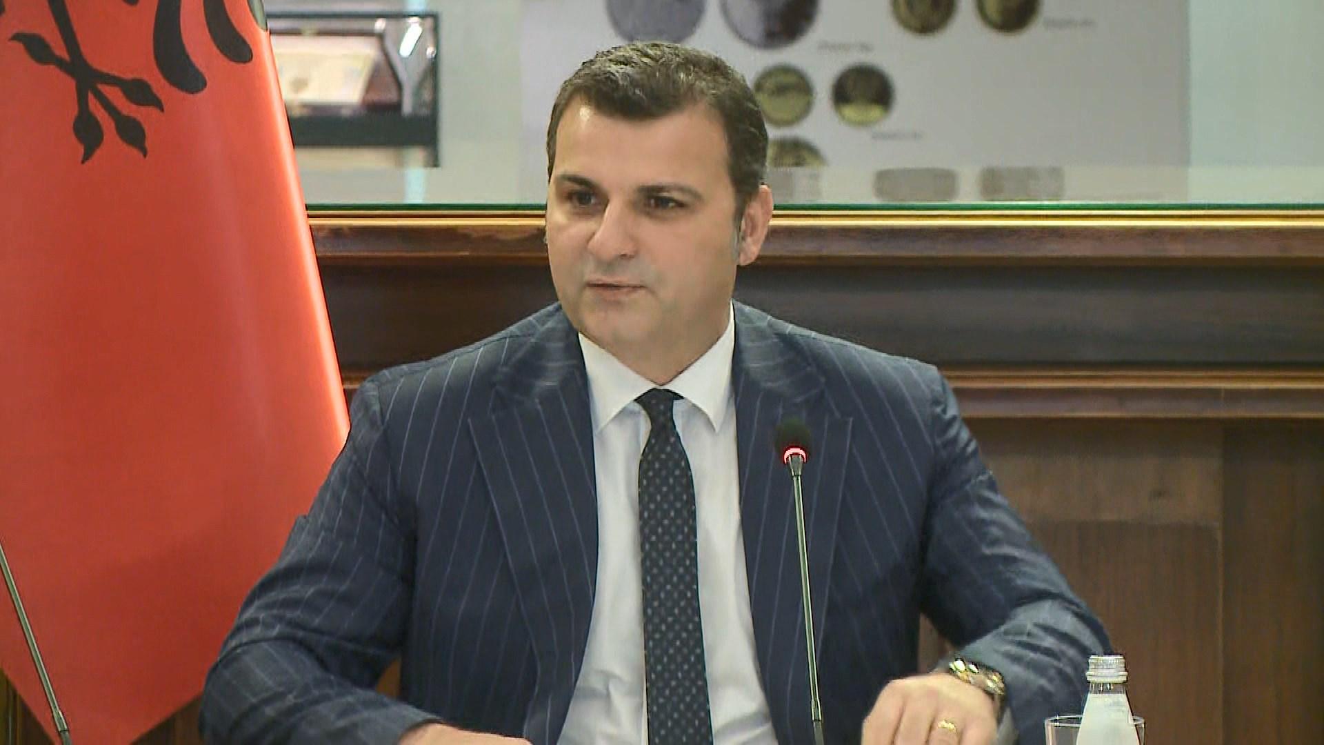 Guvernatori Sejko apel bankave: Kushtojini me tepër rëndësi kreditimit
