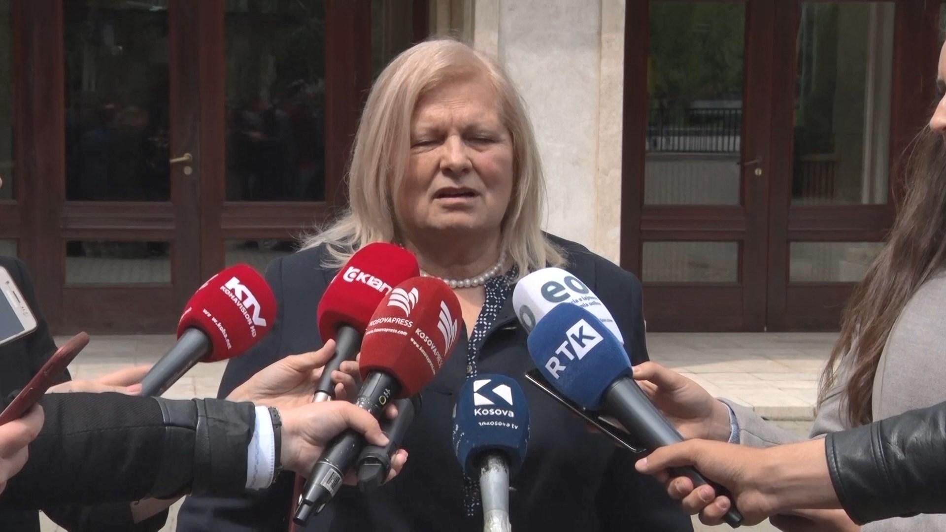Kosovë, deputetja Brovina kërkon falje për publikimin e fotos