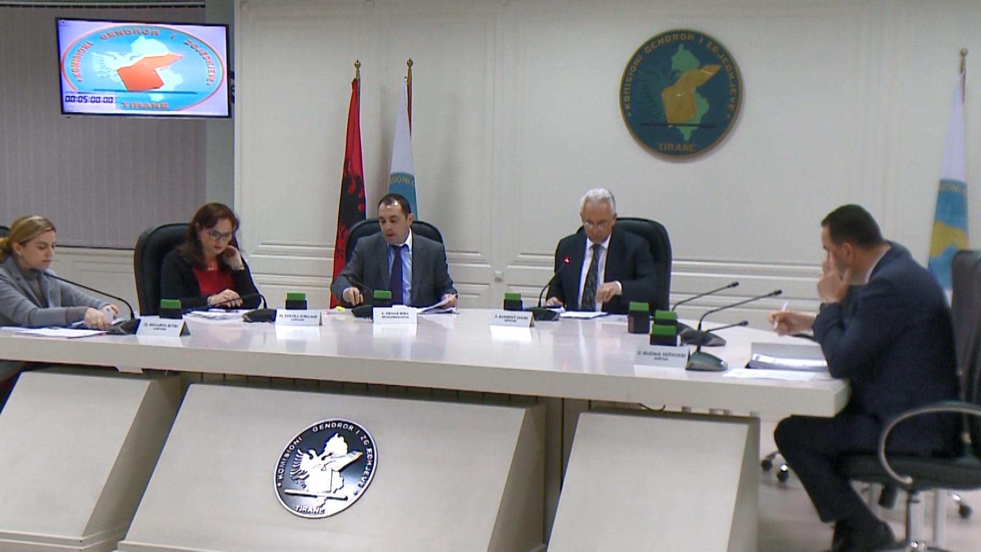 Paloka: Opozita do ketë komisionerë në zgjedhje, kundërpërgjigjet Manja