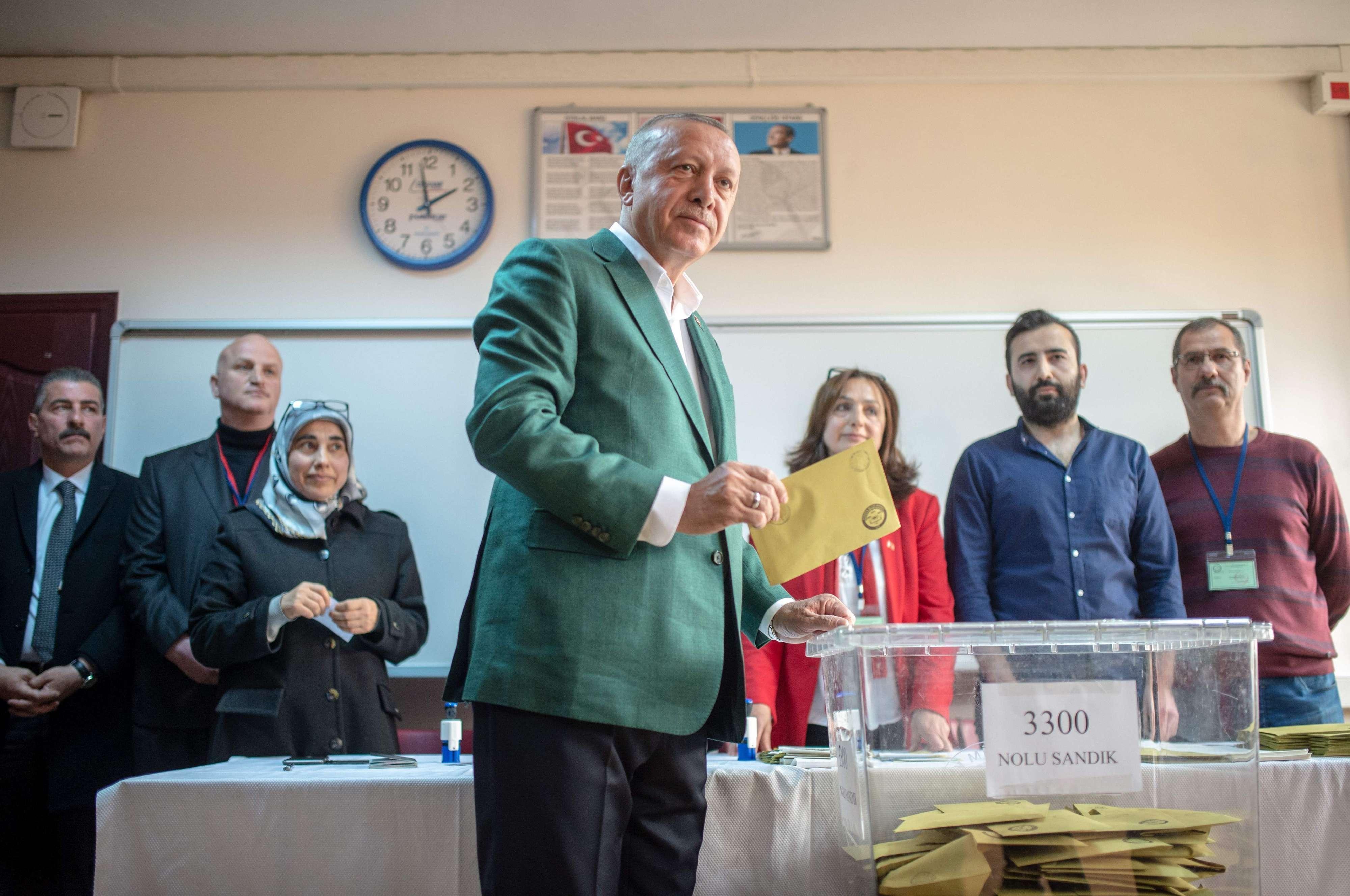 Komisioni Elektoral në Turqi urdhëron ripërsëritjen e zgjedhjeve në Stamboll