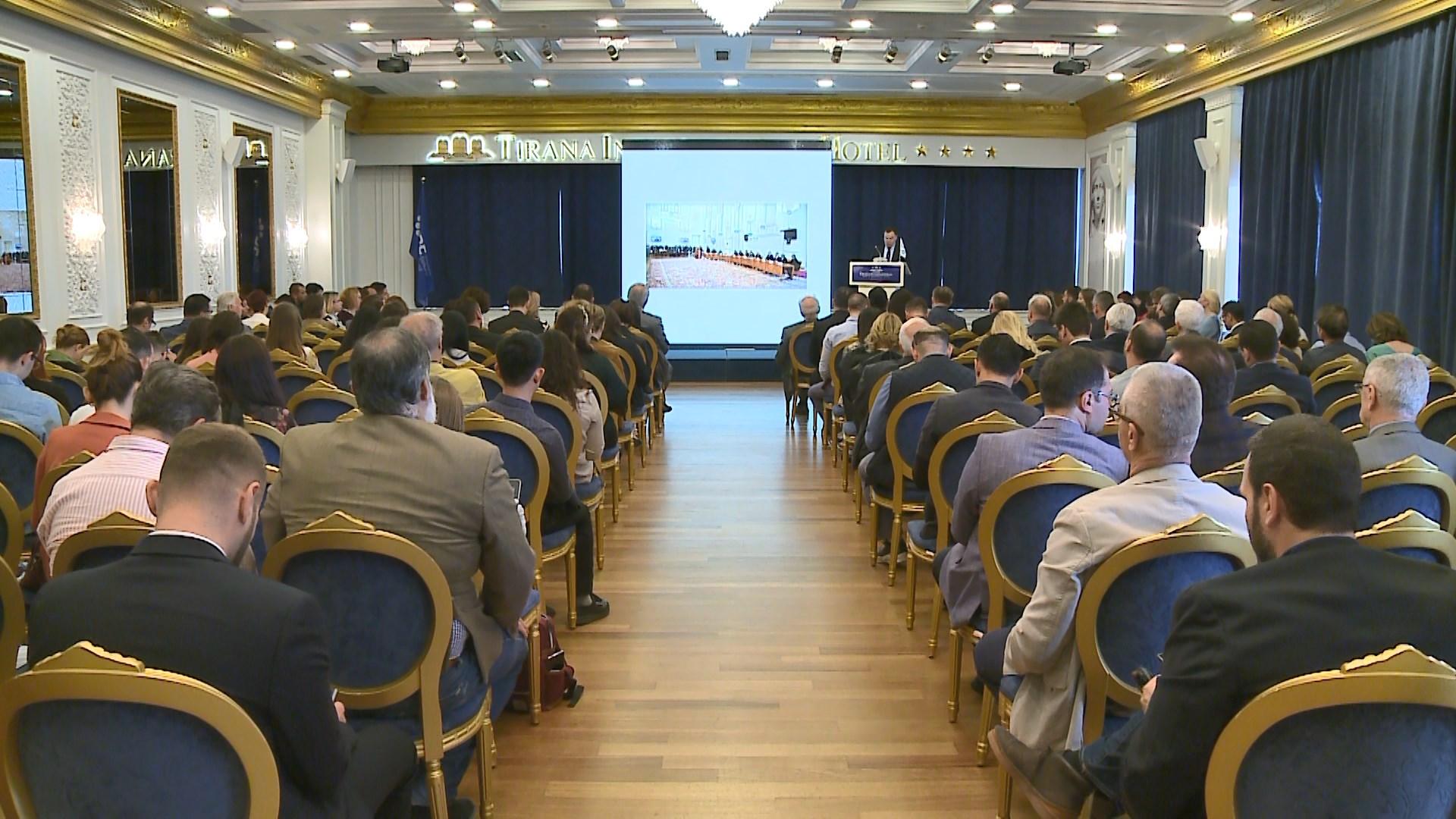 Sekretariati i fondit të Ballkanit Perëndimor çeli në Tiranë seminarin me grantmarrës