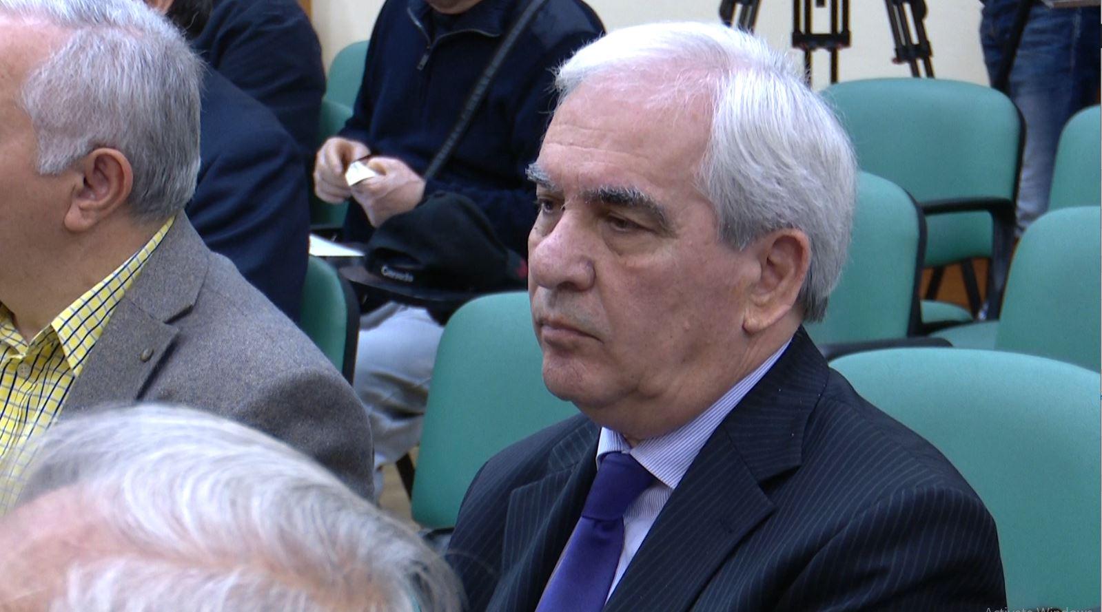 Skënder Gjinushi shpallet kryetar i Akademisë së Shkencave