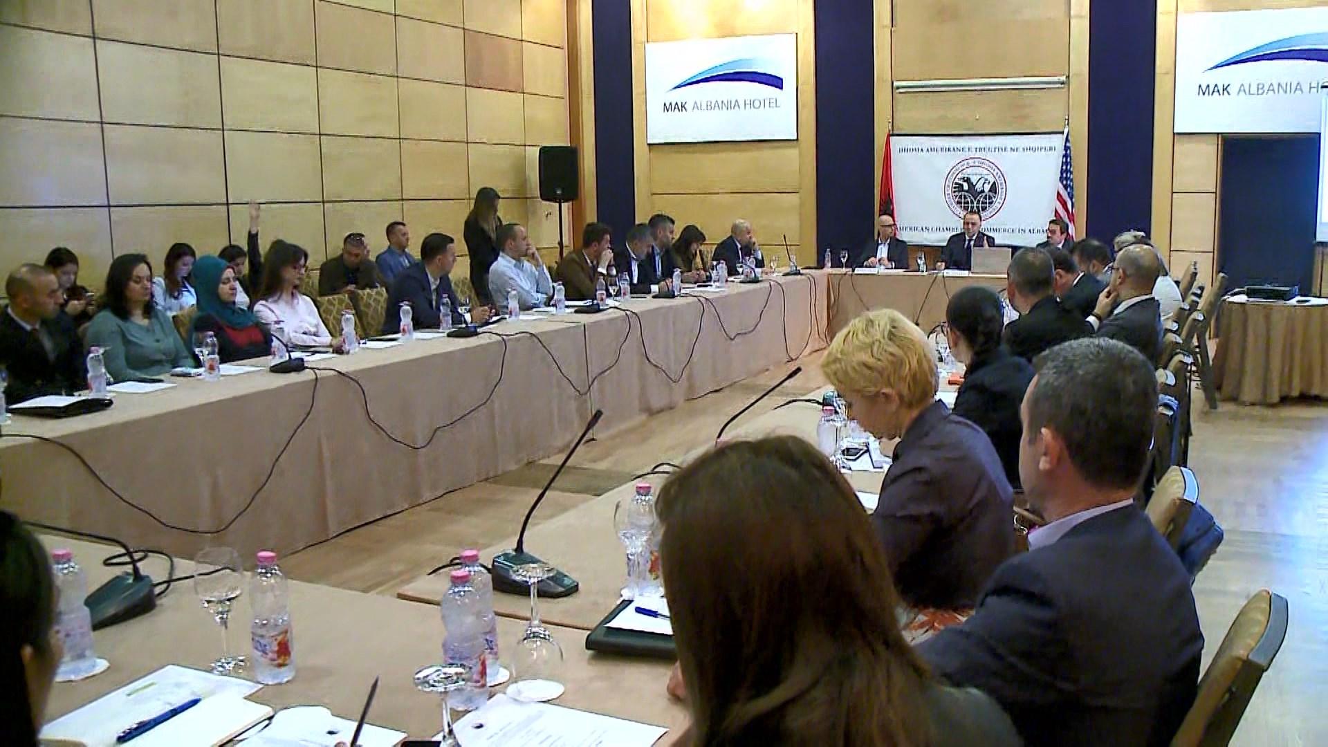 Investitorët e huaj në Shqipëri: Zgjidhni çështjen e pronave që të investojmë