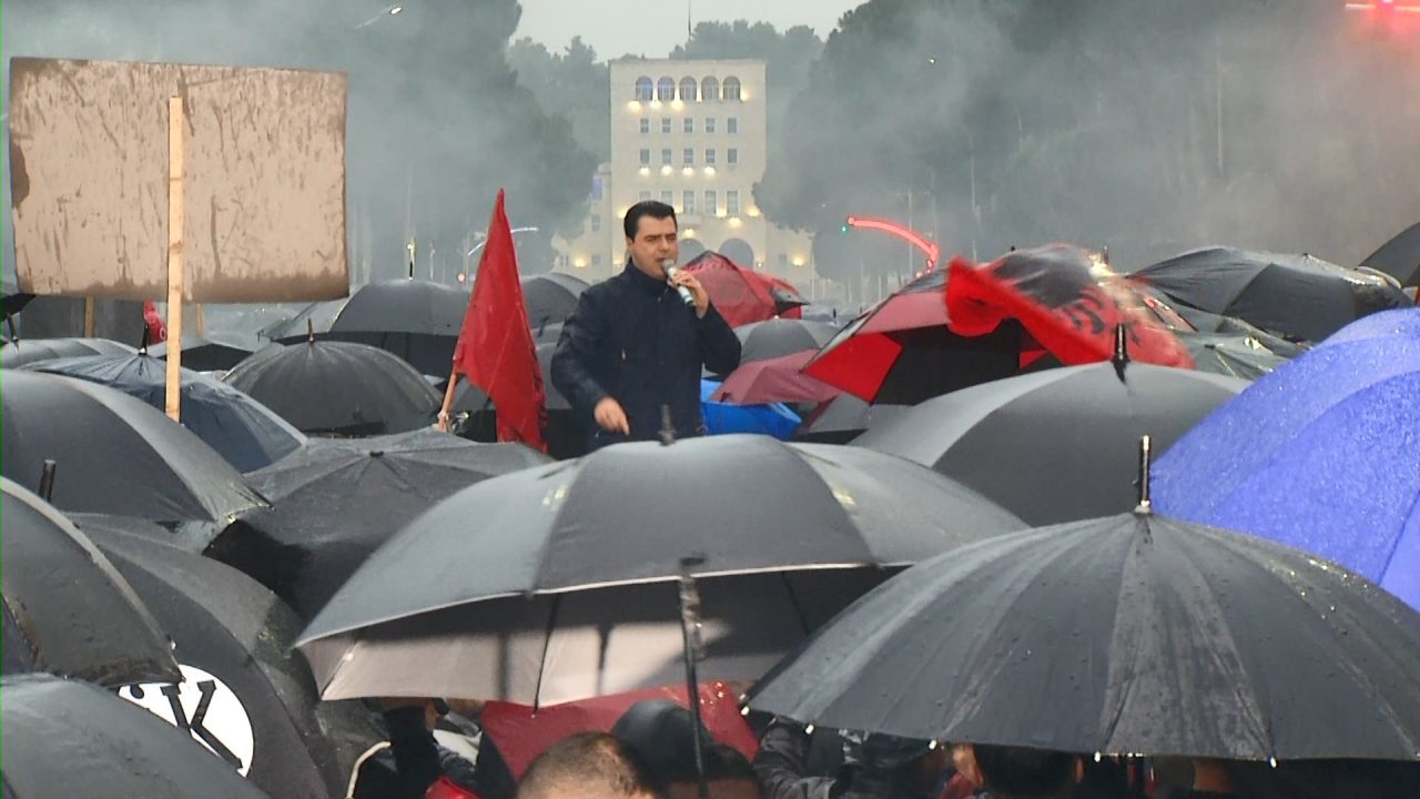 KRONIKE-BASHA-PROTESTA-13-MAJ_ABC-M4-T2.mpg_snapshot_01.00-1280x720.jpg