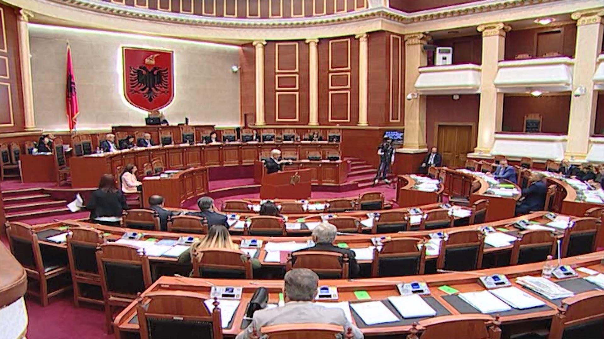 Reforma në Drejtësi, Manja: Vonesat për shkak të PD, Xhafaj: Kuvendi i vonuar