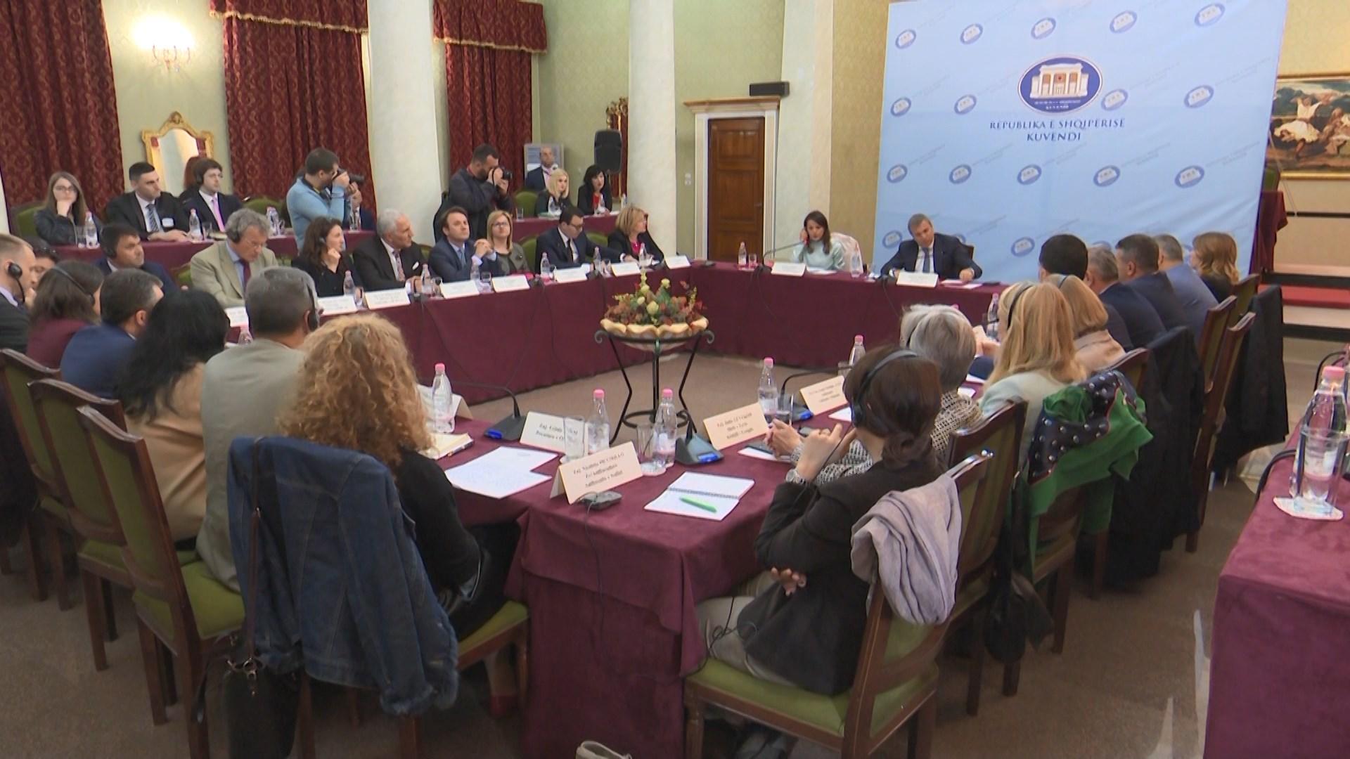 Mblidhet komisioni i Reformës Zgjedhore