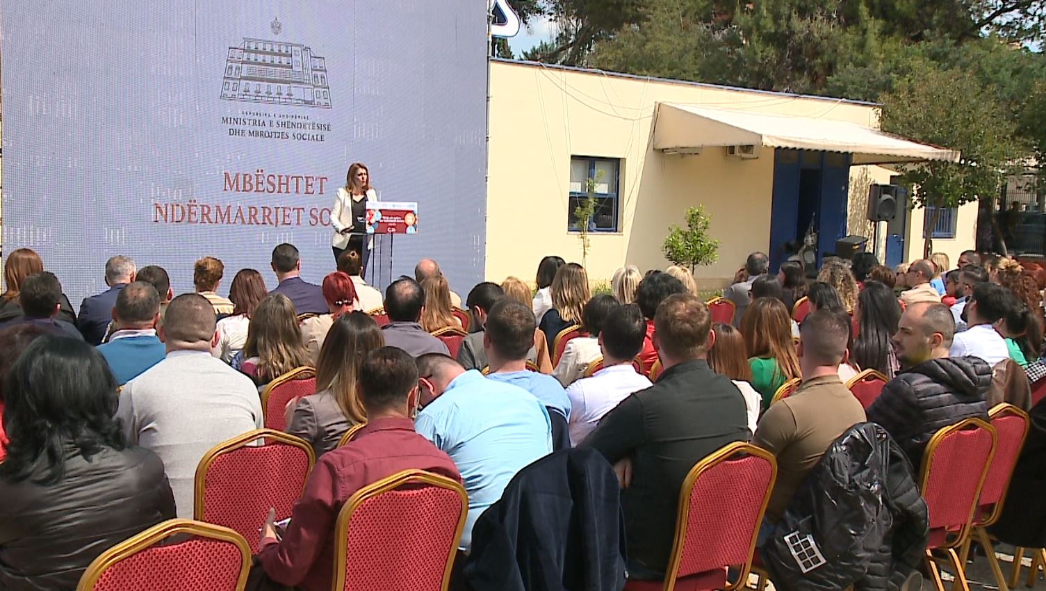 Financimi i ndërmarrjeve sociale, Manastirliu: Kusht, punësimi i njerëzve në nevojë