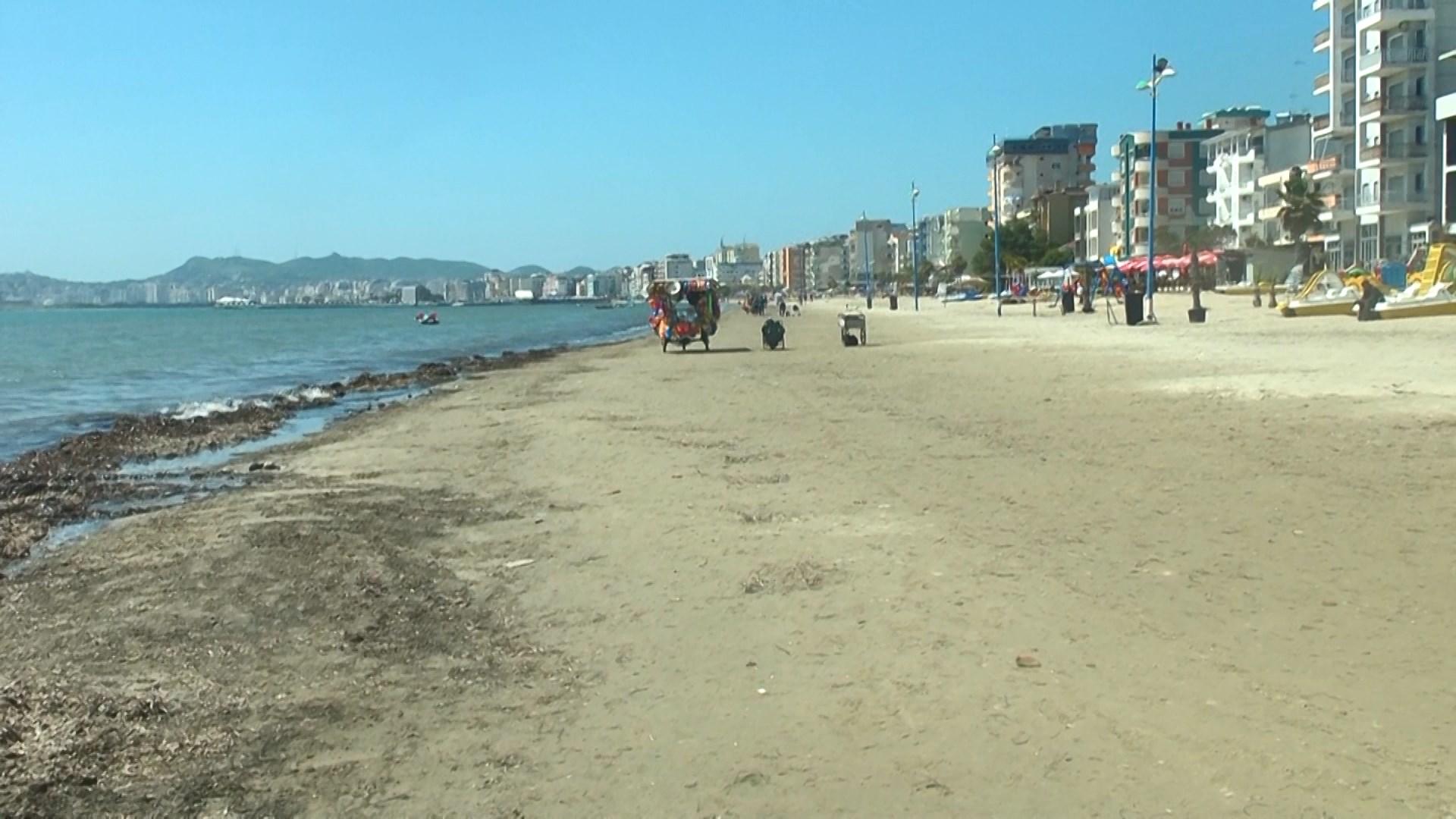 Nis pastrimi i bregdetit në Durrës, kur hapet sezoni turistik?