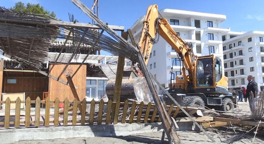 IKMT aksion për prishjen e objekteve në bregdetin e Shëngjinit