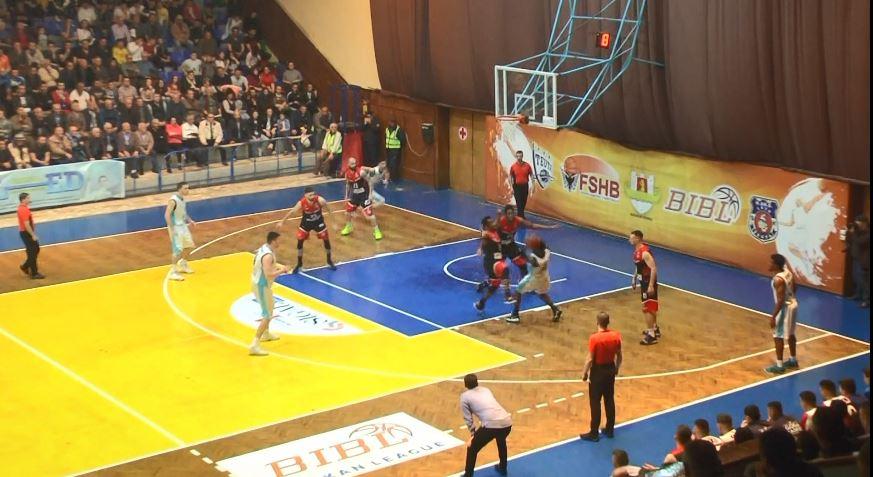 Basketboll, Teuta barazon finalen për titull