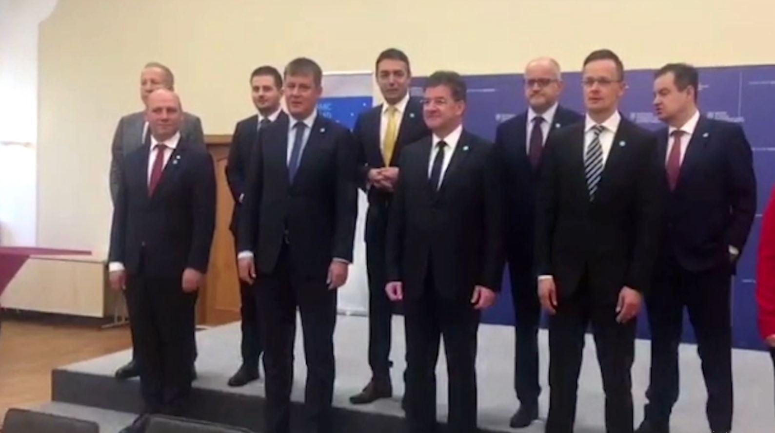 Cakaj në Bratislavë: Koha për hapjen e negociatave