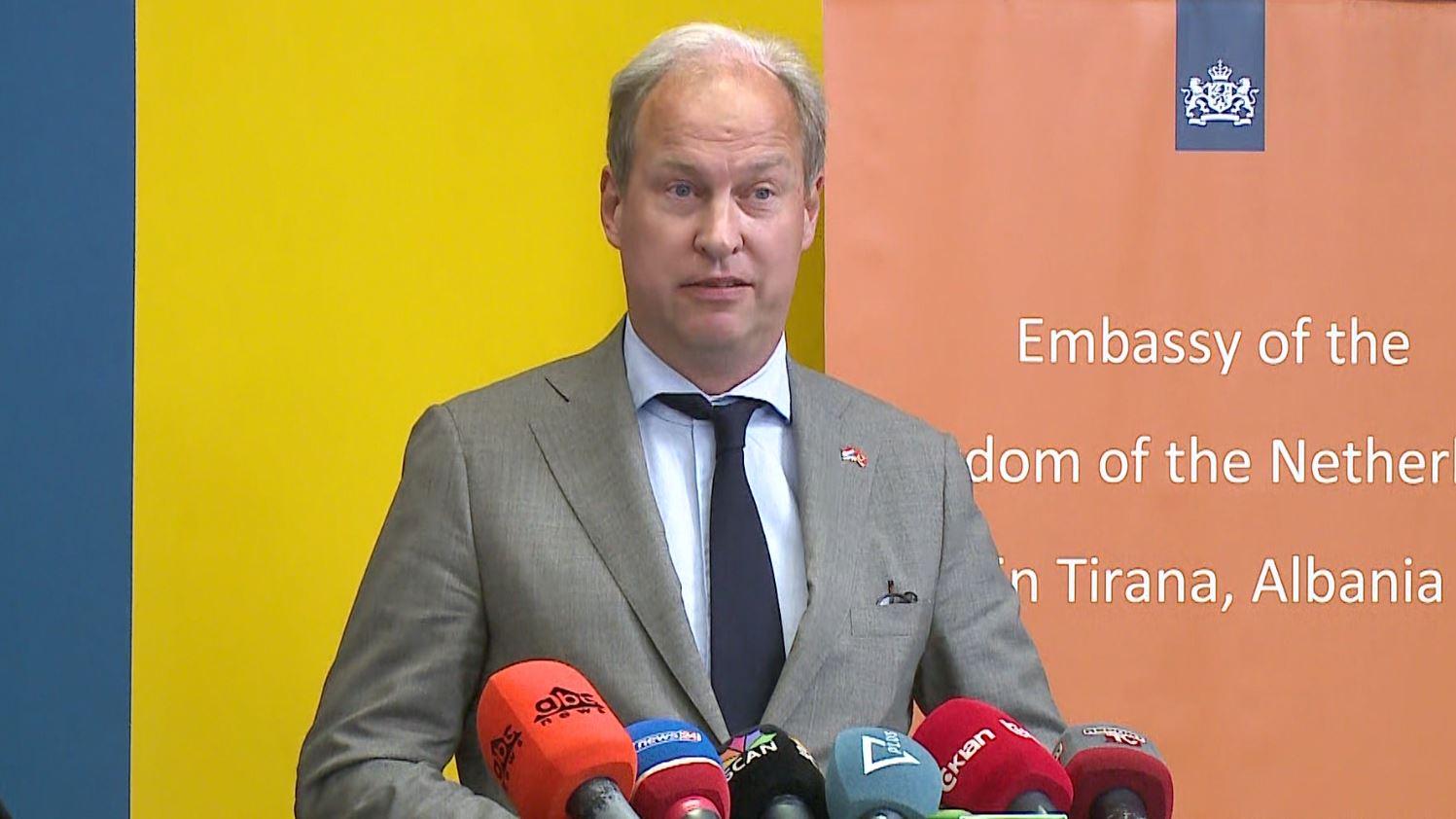 Deputeti holandez: Nuk kemi ardhur për çështjen e vizave