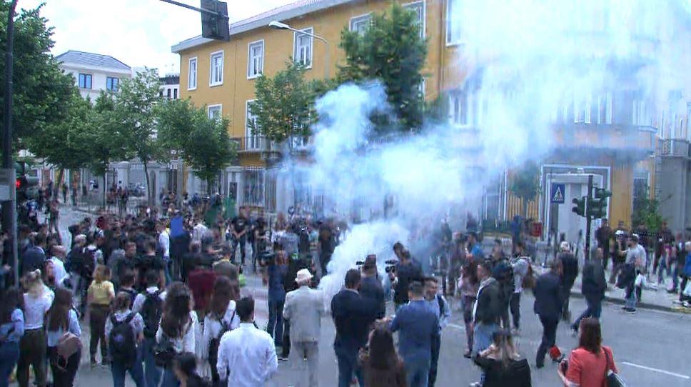 Studentët rikthejnë protestat para Ministrisë së Arsimit me 5 kërkesa të reja