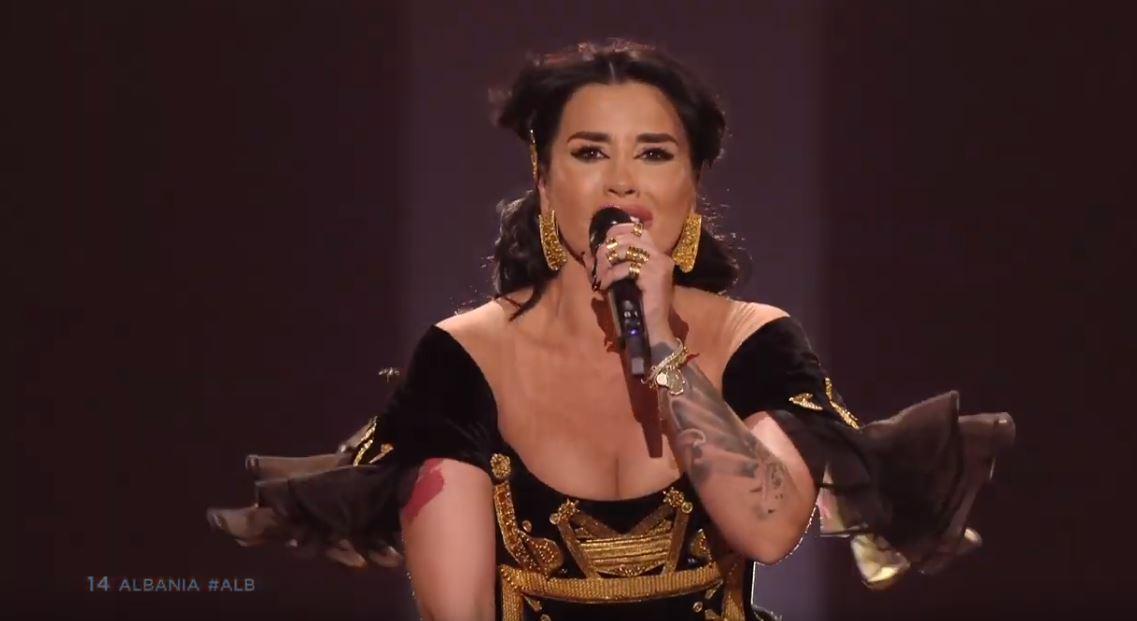 Jonida Maliqi kalon në finalen e Eurovizion (Video)