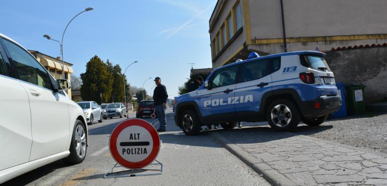 polizia-questura-posto-di-blocco-ev-770x370.jpg