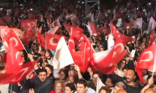 Stamboll, protesta masive kundër Erdogan
