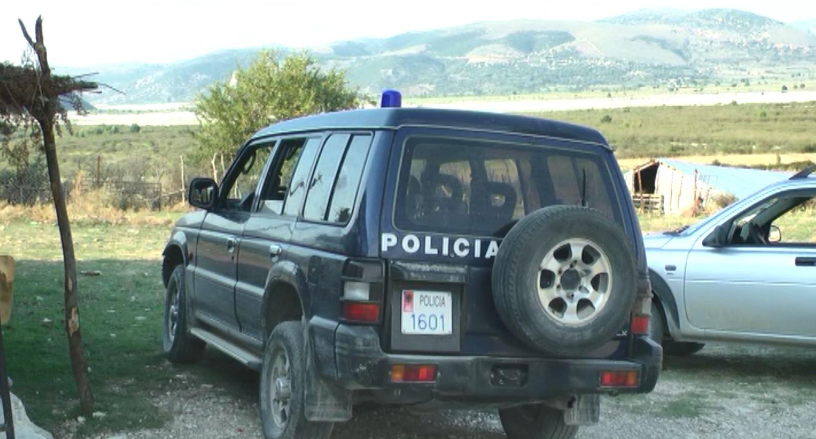 Breshëri plumbash shtëpisë së zyrtarit të Bashkisë në Selenicë (video)