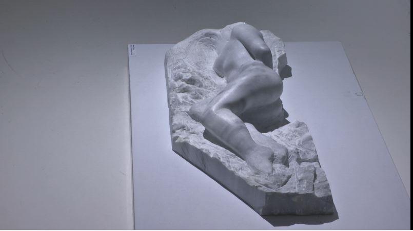 Studentët e Skulpturës: Problem gjetja e modeleve nudo