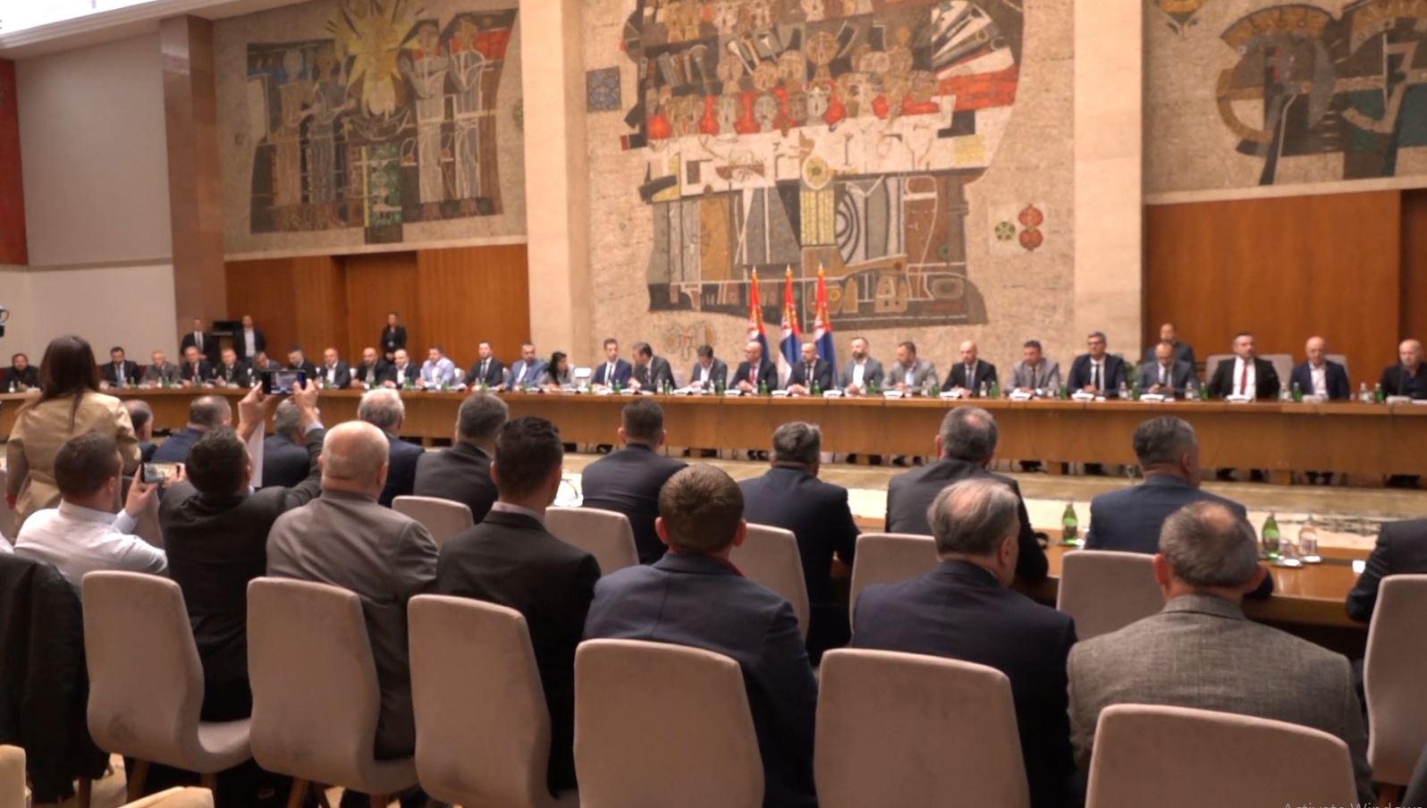 Taksa, Vuçiç: Gati kundërmasat ndaj Kosovës