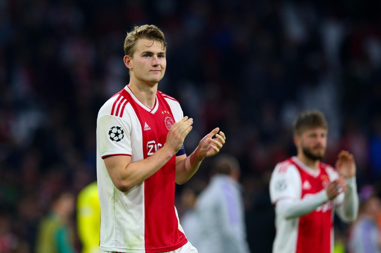 De-Ligt-gives-update-on-future-after-Ajaxs-final-home-game-1280x853.jpg