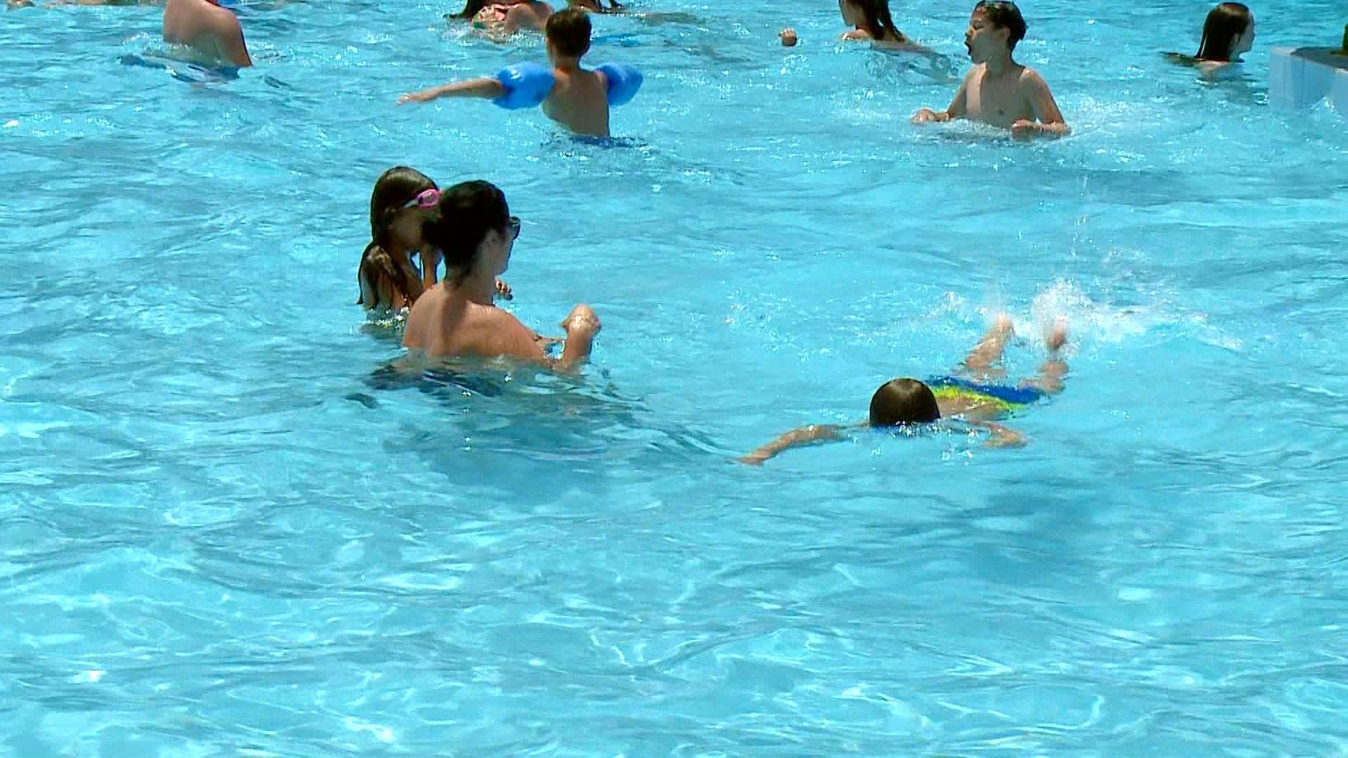 Higjiena në ujin e pishinave, specialisti: Nis monitorimi në Tiranë
