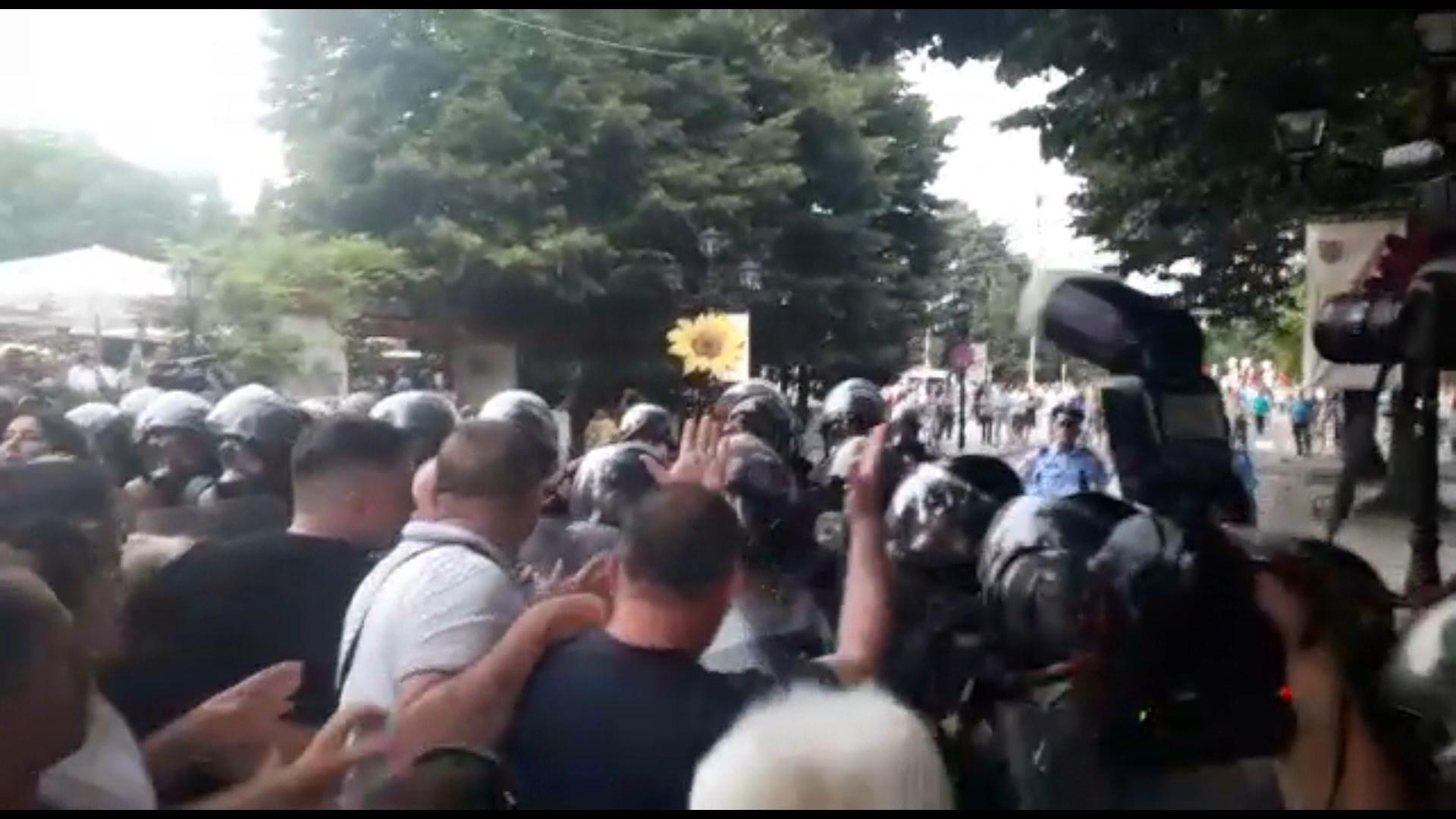 Shkodër, tensione mes policisë dhe Voltana Ademit