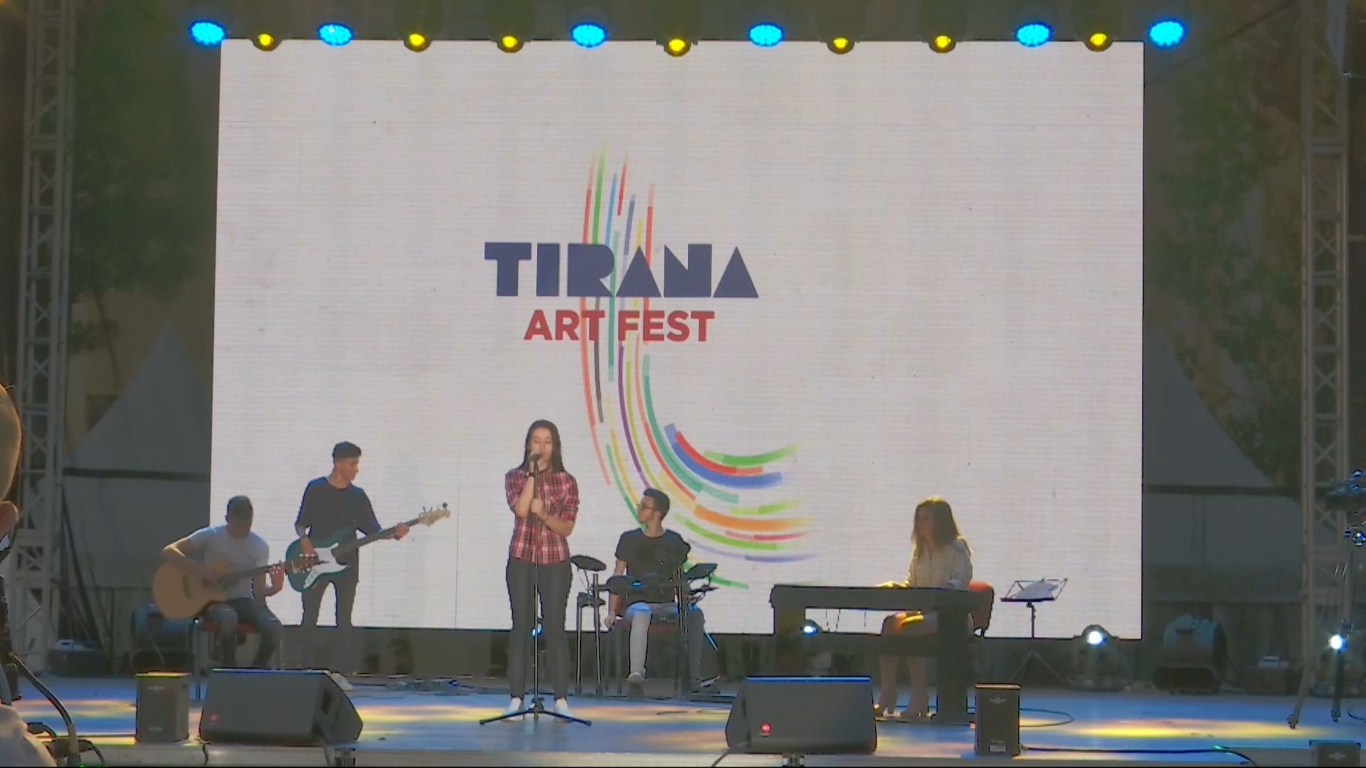 "Kurorëzohet edicioni i katërt i ""Tirana Art Fest"""