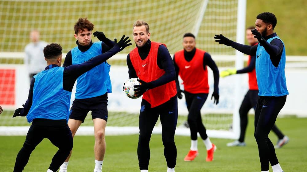 Frikë tek Anglia, një lojtar pozitiv me COVID pas pushimeve në Greqi