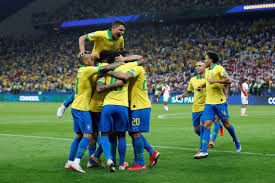 Brazili fiton dhe bind