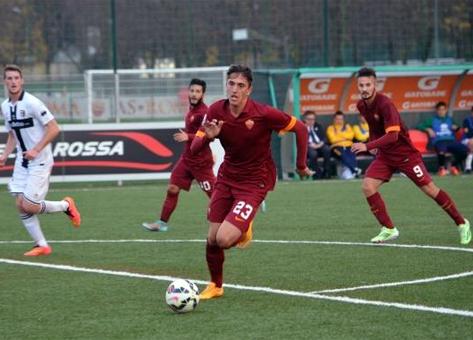 Emanuele Ndoj nën objektivin e Milanit
