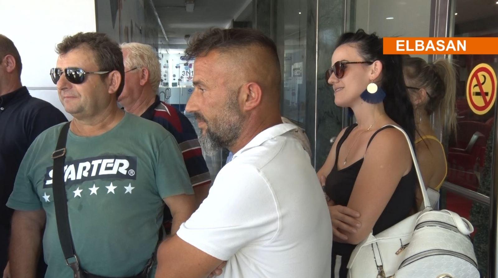 Emigrantët votojnë: Duam që Shqipëria të bëhet shtet