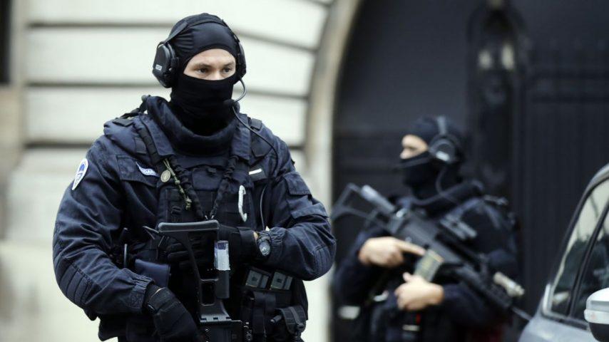 Bizhuteri, armë dhe makina, ndalohen 9 shqiptarë