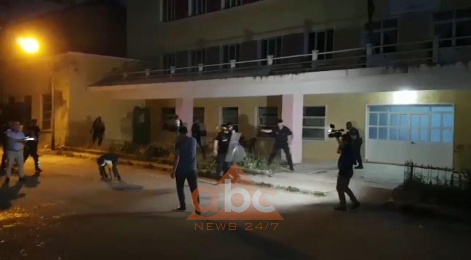 Përplasje dhe gaz lotsjellës në KZAZ në Dibër