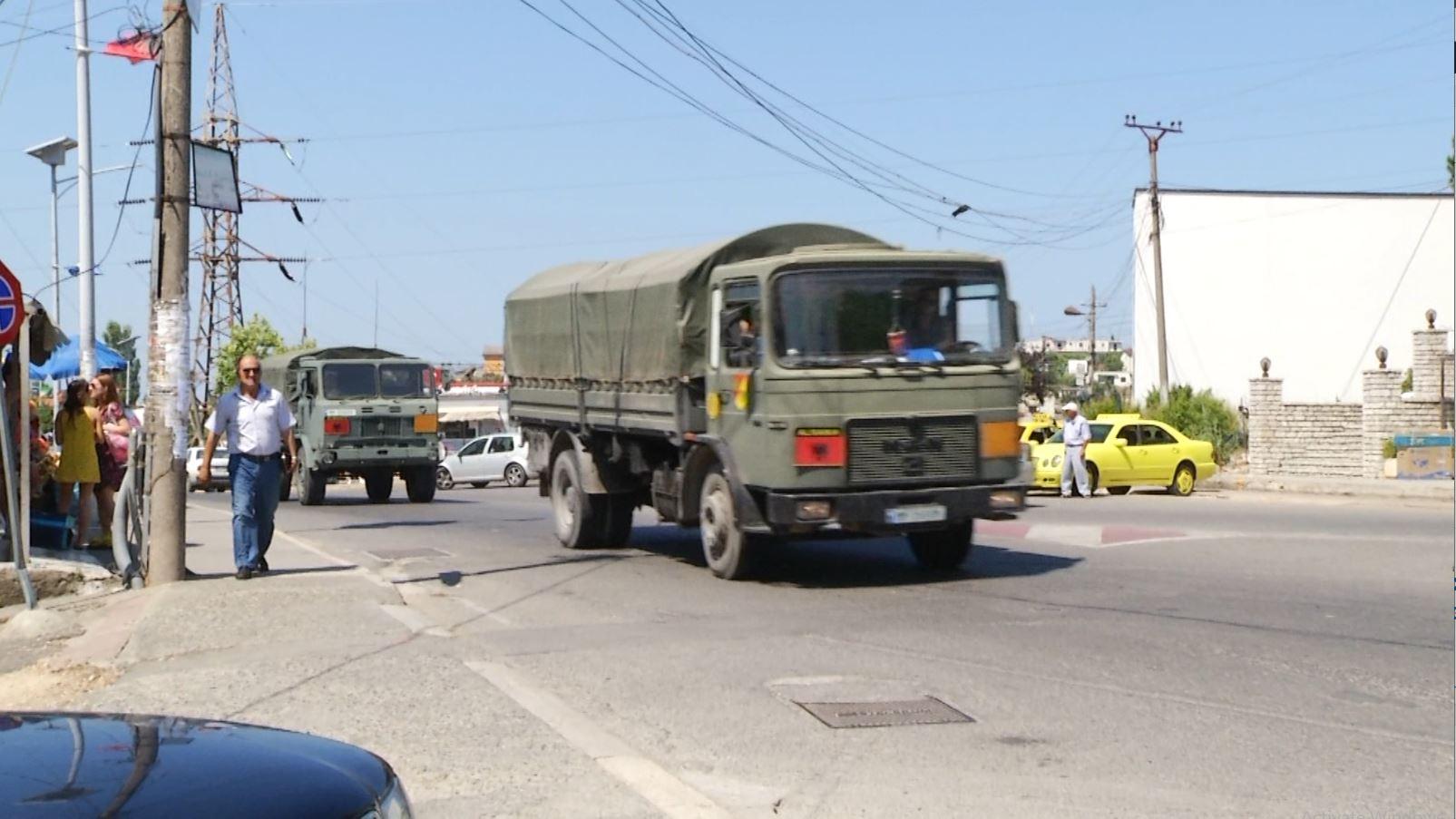 Ushtria shpërndan fletët e votimit, ABC News shoqëron kutitë e Lezhës