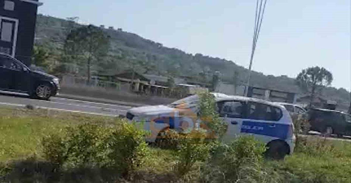 Video, makina e policisë del nga rruga në autostradën Tiranë-Durrës
