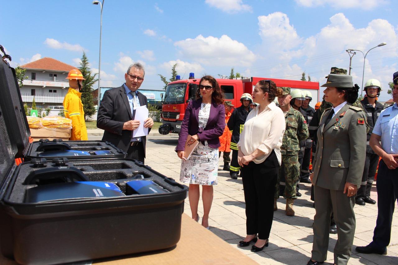 SHBA ndihmon FA me pajisje kundër zjarrit