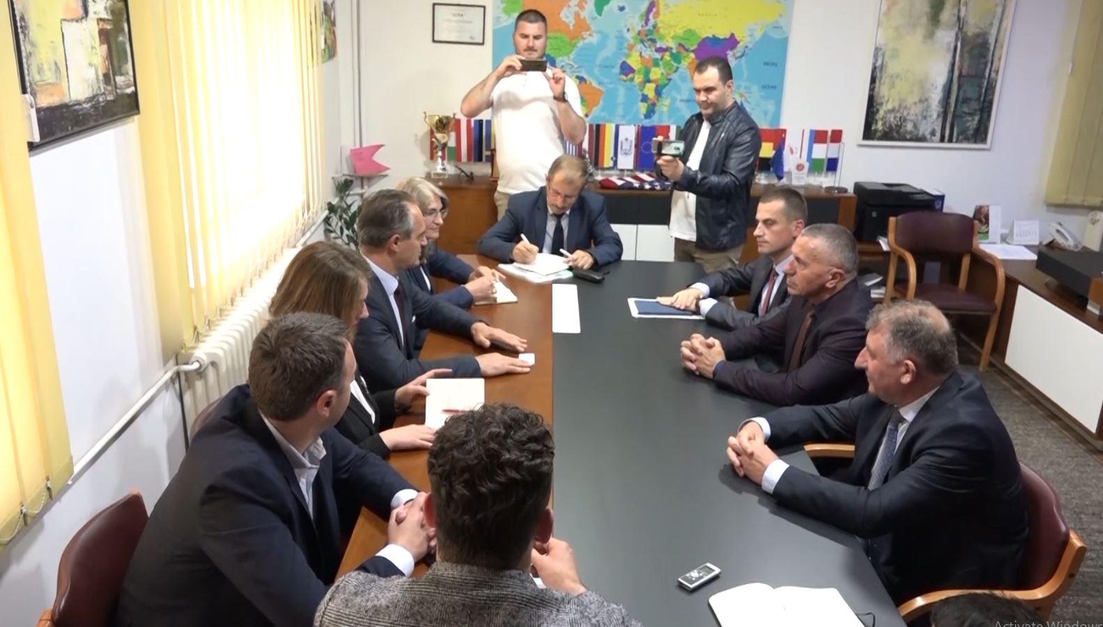 Deputetët e Kosovës takime me shqiptarët e Preshevës