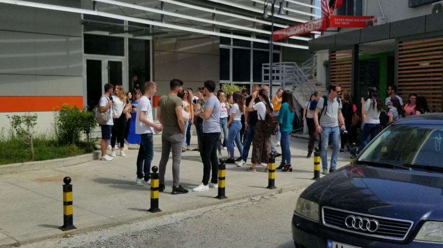 Studentët e Shkodrës sërish në protestë