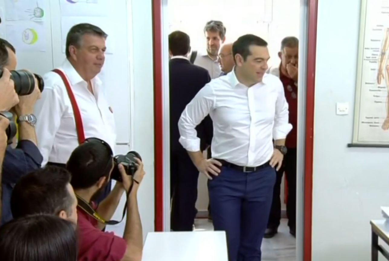 Tsipras kërkon shpërndarjen e Parlamentit