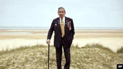 Veteranët e Zbarkimit në Normandi tregojnë historitë e tyre