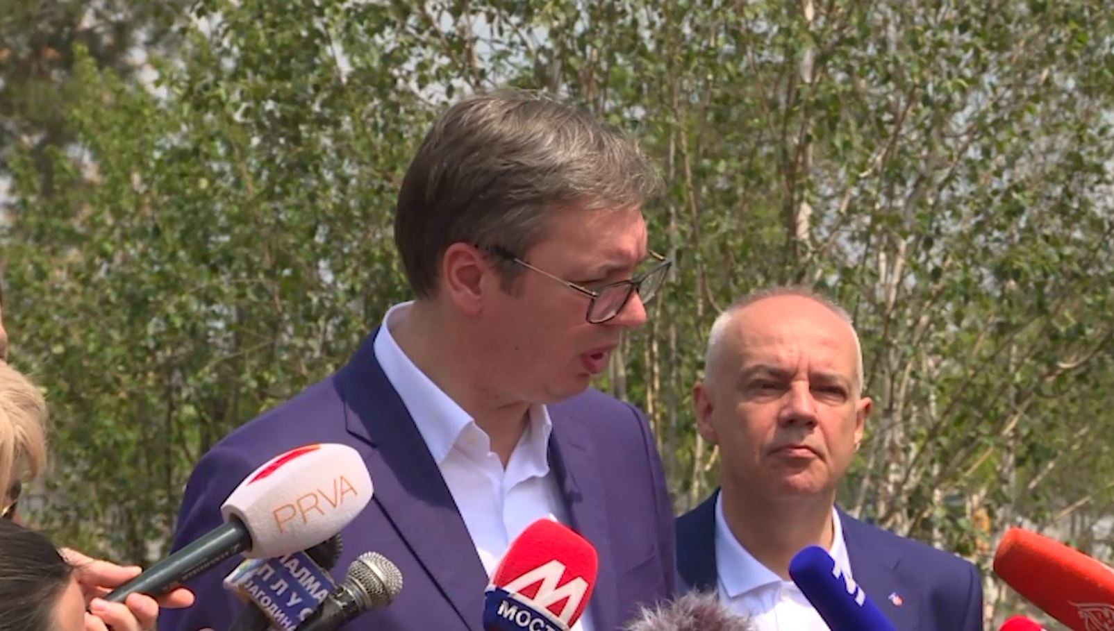 Vuçiç për samitin e Parisit: Kërkesa e Kosovës bllokoi tryezën